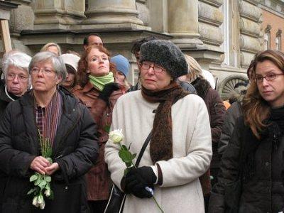 Über 60 Frauen und Männer nahmen an der Kundgebung am 16.12.2008 teil. Foto ©: TERRE DES FEMMES
