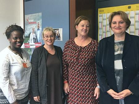 F.l.t.r.: Dr. Idah Nabateregga, MdB Gabriela Heinrich, MdB Michaela Engelmeier, Christa Stolle. Photo: © TERRE DES FEMMES