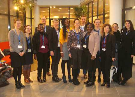 "Gruppenfoto der Arbeitsgruppe ""Female Genital Mutilation"" (v.l.n.r.): Nora Stein (EIGE), Monika Laurinaviciute (EIGE), Idah Nabateregga (TDF), Maurizio Mosca (EIGE), Reija Klemetti (National Institute for Health and Welfare), Kabung Lomodong (FORWARD UK), Diana Geraci (PHAROS), Luk van Baelen (International Centre for Reproductive Health), Comfort Momoh (Global Comfort), Nathalie Kontoulis (ED FGM), Flavia Pesce (IRS), Christina Scoppa (AIDOS), Sabina Morosini Turčinović (Sector for Children and Family)"