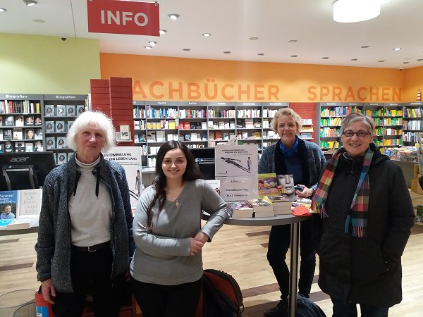 TERRE DES FEMMES – Book Table in Constance . f.l.t.r.: Erika Korn - Sadyie Kilic - Monika Norrmann - Eva Wernert. Photo: © TDF local group Constance