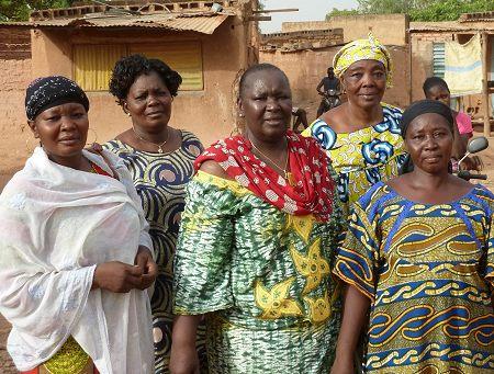 Die Heldinnen aus Ouagadougou. ABN Vetreterinnen bei Ihrem Kampf gegen FGM. Foto: © TERRE DES FEMMES