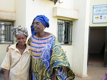 Fatoumata Siré Diakité, founder of APDF, with a co-worker from the shelter Photo: © TERRE DES FEMMES