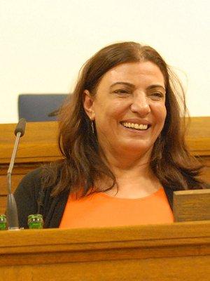 Nebahat Akkoç berichtet von der Arbeit ihrer Frauenrechtsorganisation KAMER. Foto: TERRE DES FEMMES